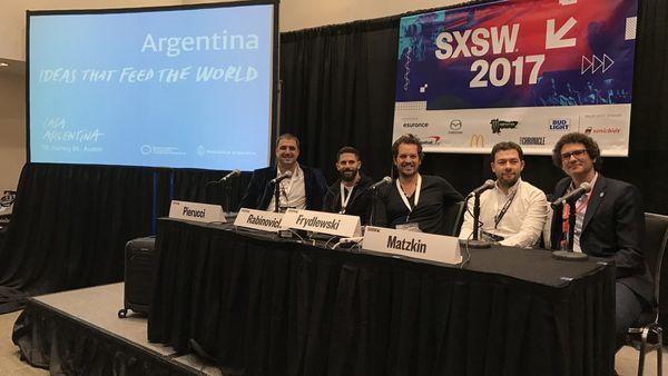 Tomi Pierucci, CEO de Bluesmart; Daniel Rabinovich, CTO de Mercado Libre; Gaston Frydlewski, CEO de Hickies; Fernando Matzkin, Managing Director de Globant y Mariano Mayer, SEpyme