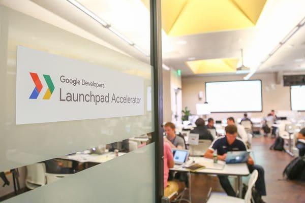 A la vez que brinda las herramientas para que el proceso de crecimiento sea más rápido, el programa de Google para startups del mundo recoge información técnica y financiera única. (google.com)