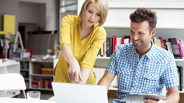 El registro de la navegación en internet, los documentos y otras aplicaciones permiten medir la productividad y también la inconformidad de un empleado. (Istockphoto)