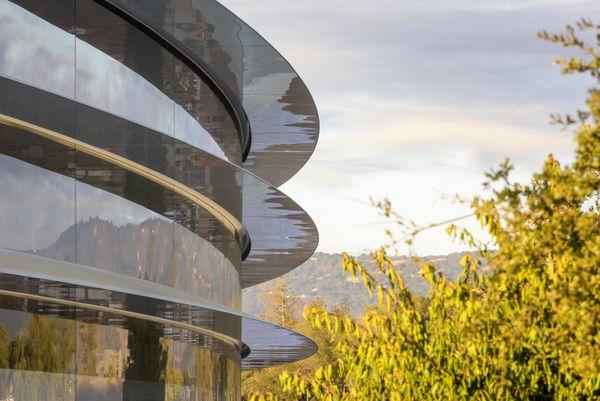 Una proyección del diseñoque el arquitecto británico Norman Foster hizo para Apple Park (fosterandpartners.com)