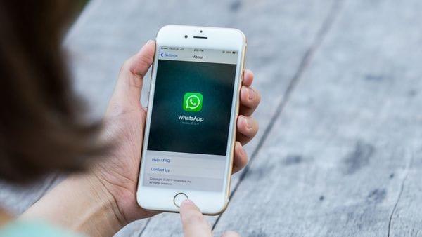 Así es cómo Siri lee los mensajes de WhatsApp