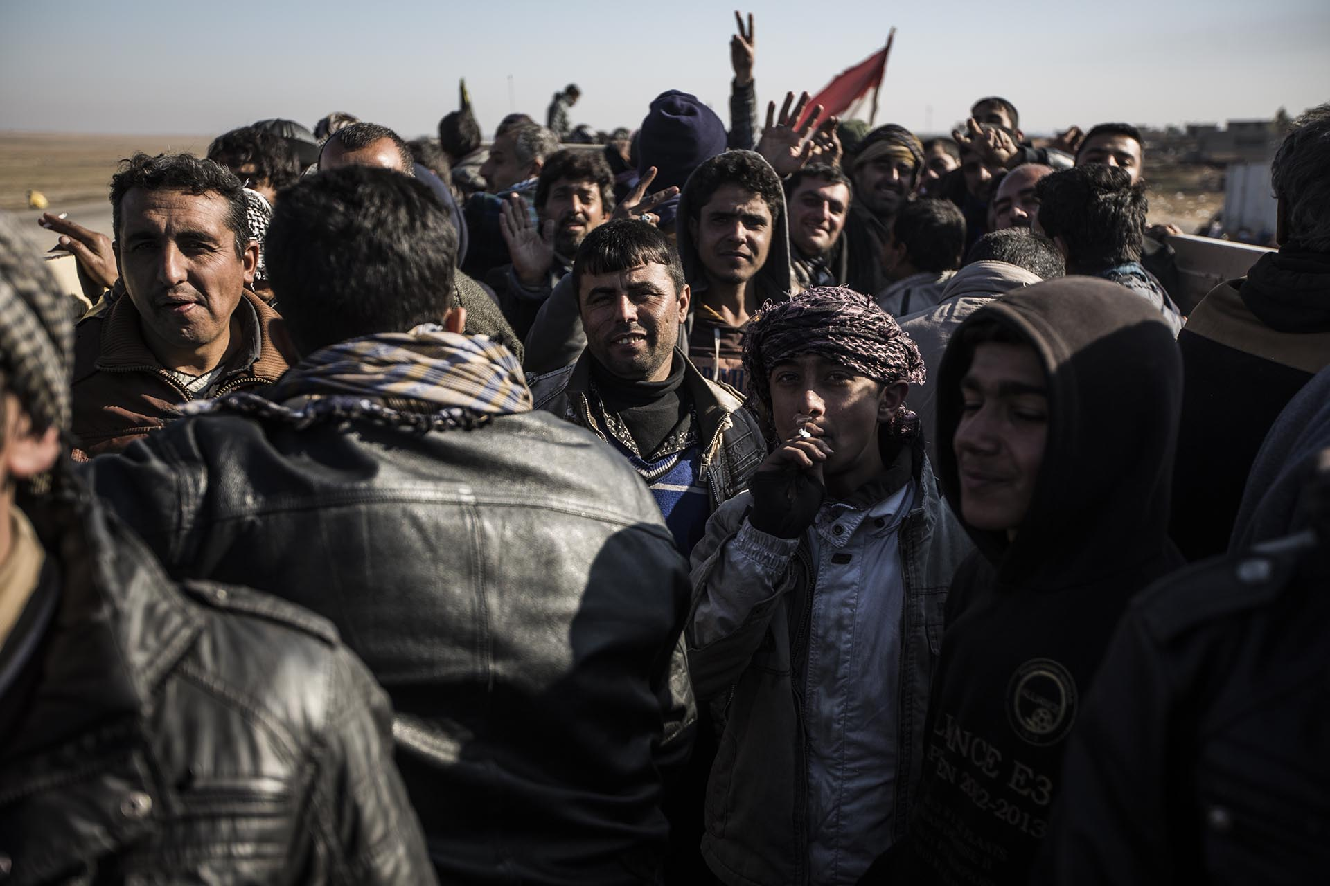 Cientos de yazidíes llegan en hacinados camiones al campo de refugiados de Essian cada día huyendo del ISIS (Pablo Cobos)