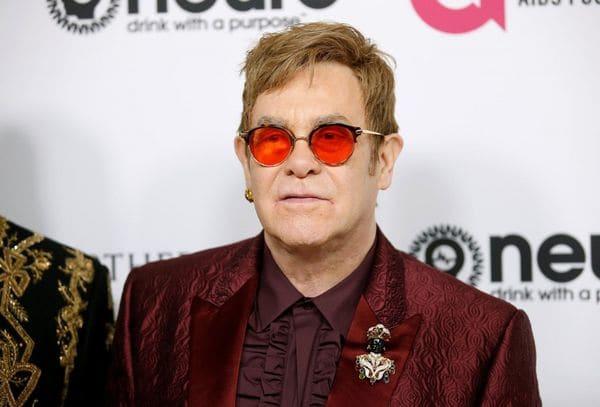 """Elton John contrajo una infección """"potencialmente mortal"""" tras la gira en Sudamérica"""