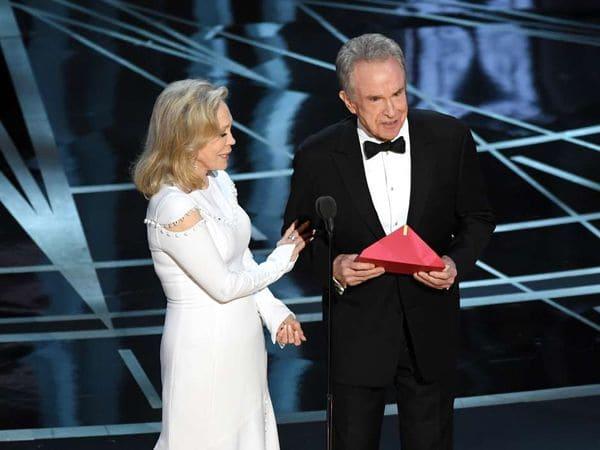 Faye Dunaway reveló que podría haber hecho algo para evitar el papelón en los premios Oscar