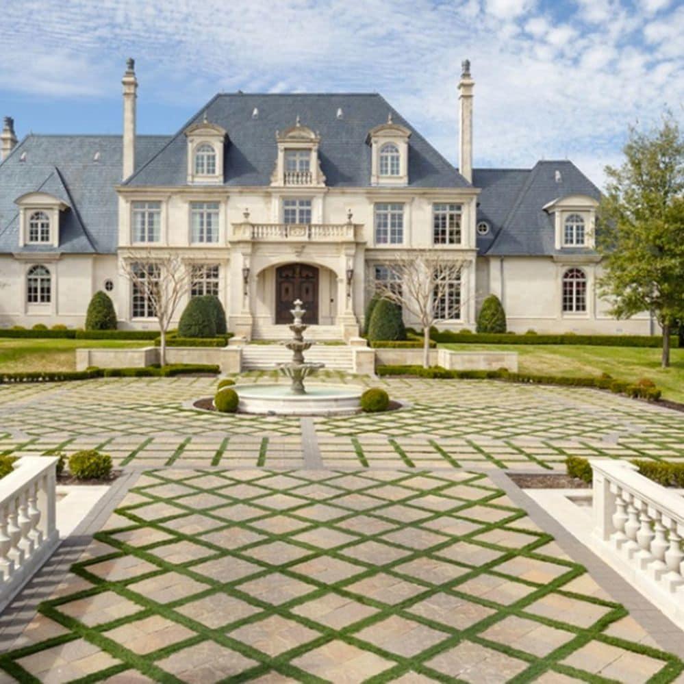 La descomunal mansión de 32 millones de dólares con parque acuático que vende un célebre odontólogo