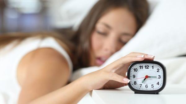 El ritmo circadiano puede educarse con hábitos saludables de sueño (iStock)