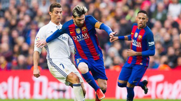 Messi y Ronaldo estarán nuevamente cara a cara este domingo en el Santiago Bernabéu (Getty Images)