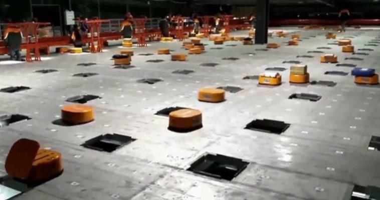 Observa a este ejército de robots procesar 200.000 paquetes diarios