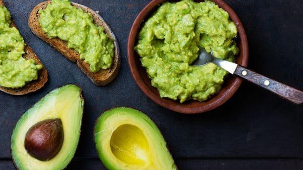 La palta, un alimento de moda en la última década, tiene grandes beneficios (Shutterstock)