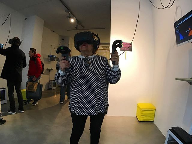 Virtual Playground: Sala recreativa que utiliza la realidad virtual