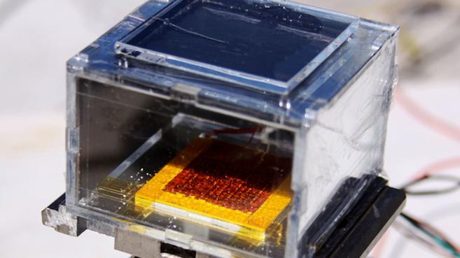 Dispositivo solar convierte el aire del desierto en agua