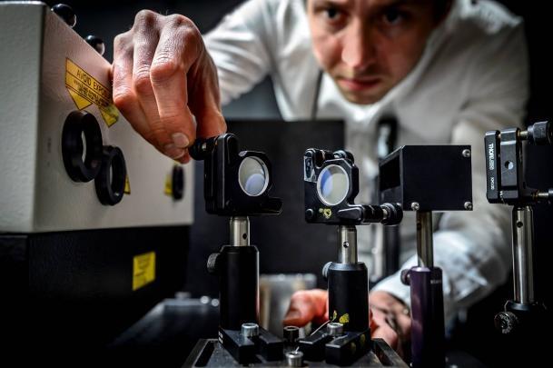 FRAME: La cámara que captura cinco billones de fotogramas por segundo