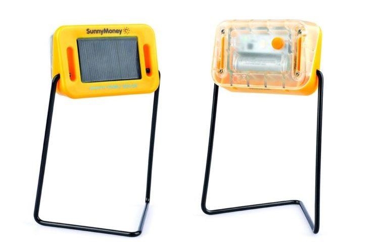 SolarAid SM100: La lámpara solar más barata del mundo