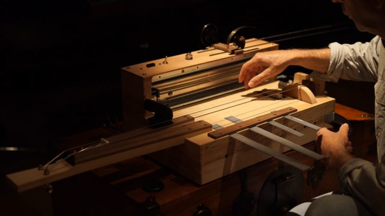 El Motor de la Aprensión: El instrumento que genera música espeluznante