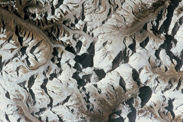 ¿Montaña o valle?: La ilusión de las imágenes ambiguas